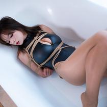 No.00872 The Bathtub #2 [25Pics] ホテルの部屋には、レオタード 着ているお姉さんArinaがいます。彼女のおっぱいは緊縛ととても似合おうです。