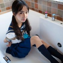 No.00752 Sailor Suit of Miho #1 女子高校生Mihoちゃんはのセーラー服緊縛すがた可愛いでしょう。これは彼女の学校制服画像です、新鮮ですね。