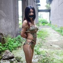 No.00778 Hijack Female Sodier II #6 [27Pics] 誘拐された水着女戦士YUSAは逃げようとした、まだ縛られたのままで、口もテープで封じられています。猿轡テープギャグ緊縛画像